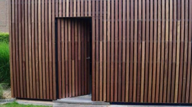Gevelbekleding-deur