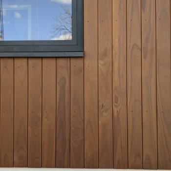 Radiata Pine gesloten verticaal